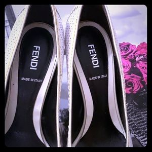 FEDI WHITE AND OFF-WHITE HEELS SIZE 7.5